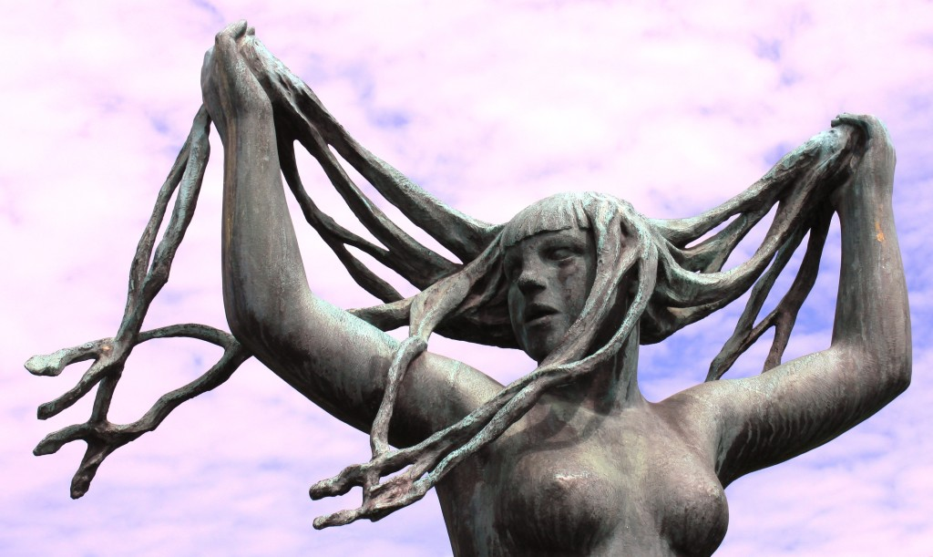 sculpture-naked-bosom-breasts-38444